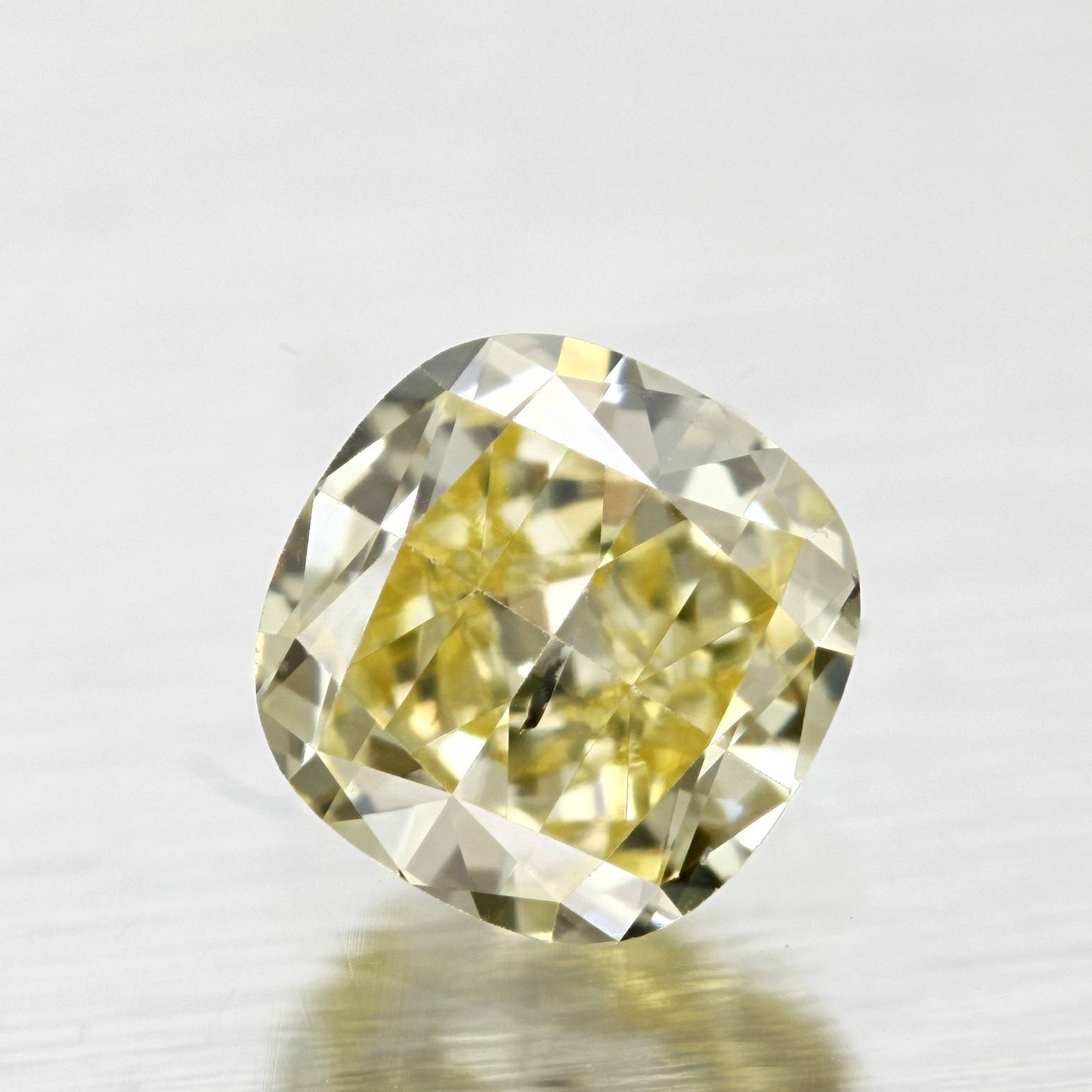deep diamond pin cognac to natural champagne diamonds color chart